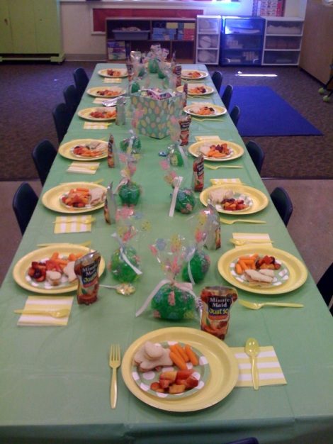 easter-party-table